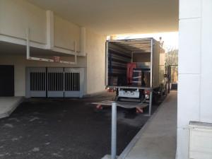 Chargement déménagement camion hayon